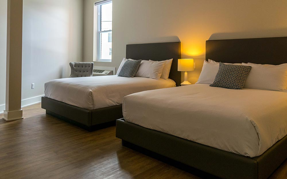 2 Beds with white linens